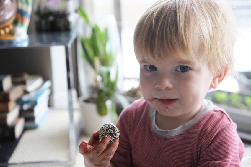 raw toddler friendly halva truffles