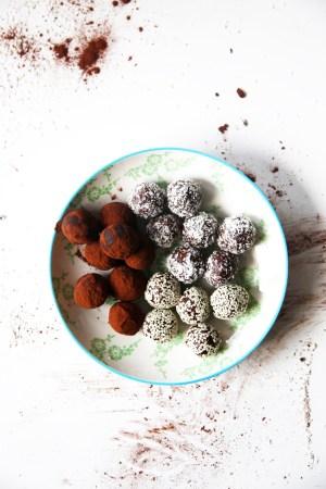 raw halva truffles