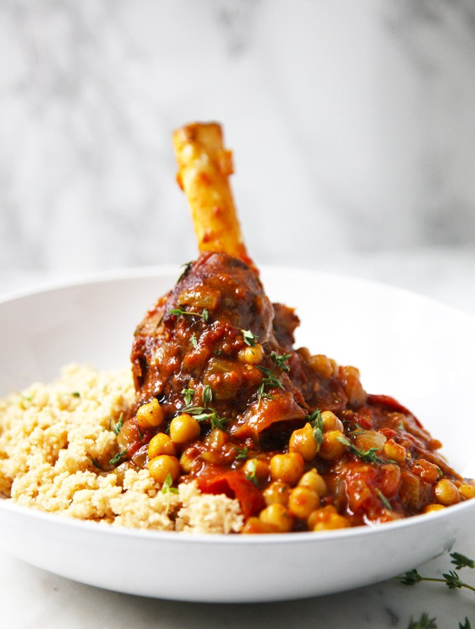 Melt in the mouth lamb shanks with chickpeas, tomatoes and thyme