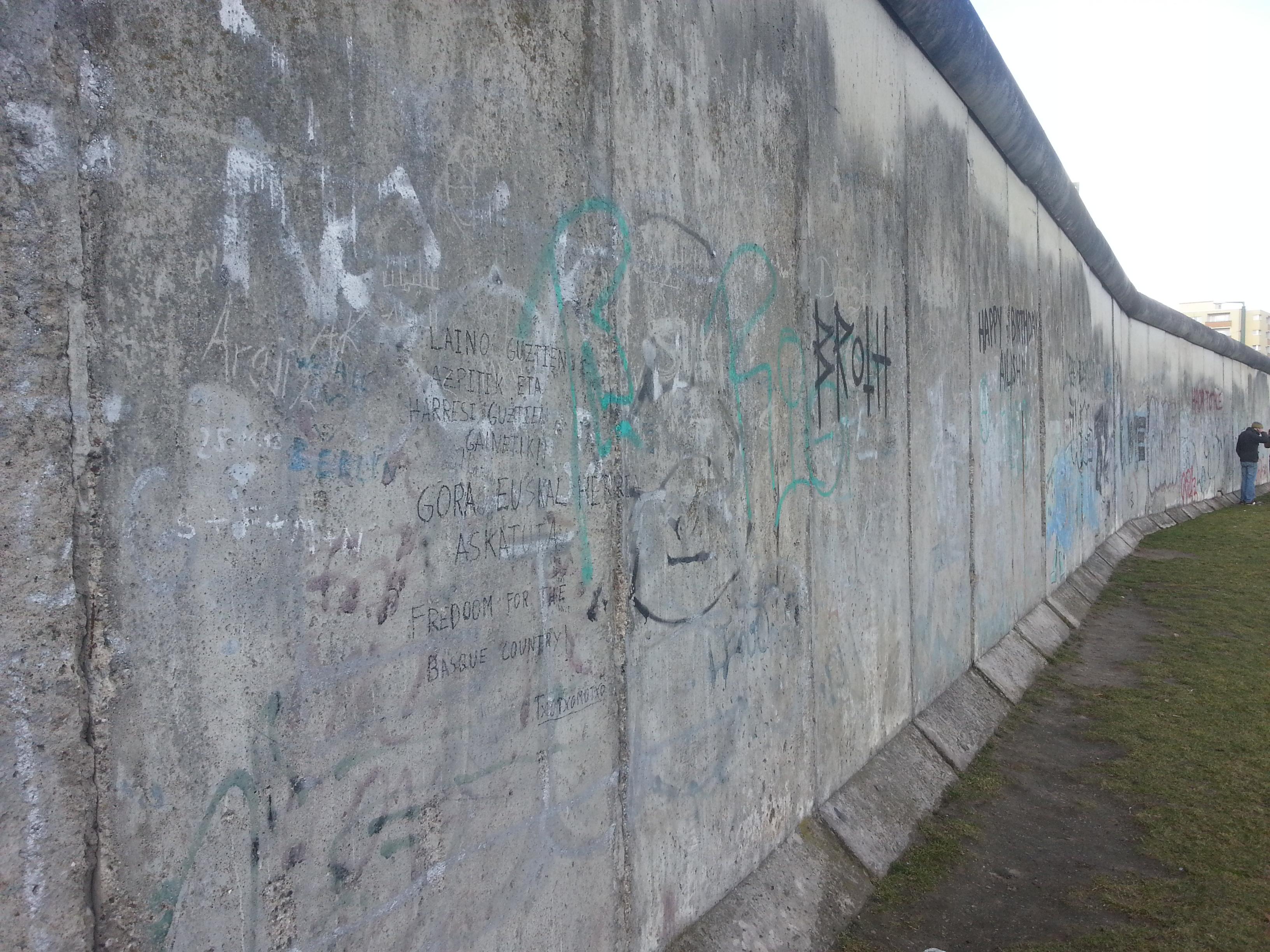(Berlin Wall Memorial)