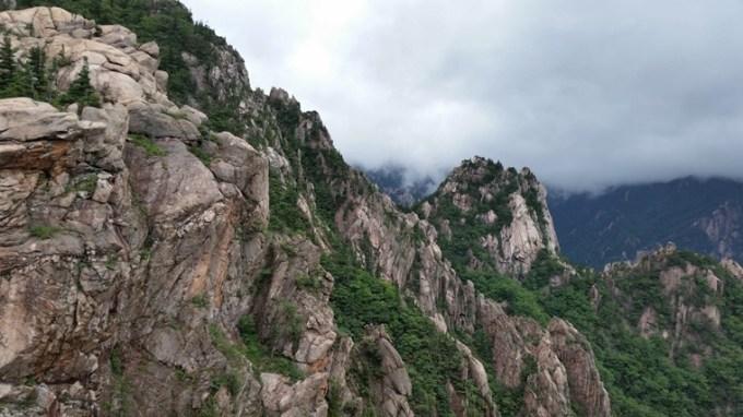 Le parc national de Seoraksan près de Sokcho