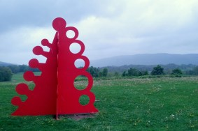 """Alexander Calder's """"Gui (Mistletoe),"""" 2001 was my last sculpture viewing of the day (except for the car)."""