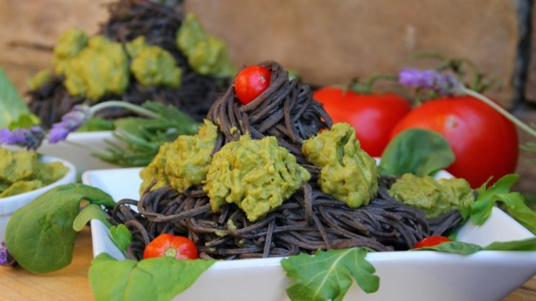 How to Make the perfect Black Bean Pasta Salad