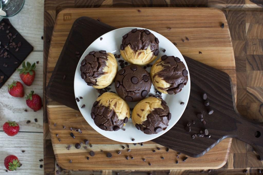 chocolate-vanilla-gluten-free-muffins