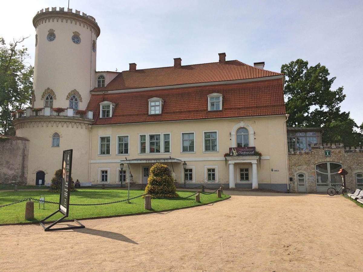 Cesis manor