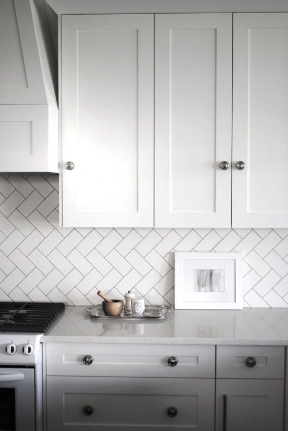 Herringbone-subway-tile-Remodelista-01-733x1095
