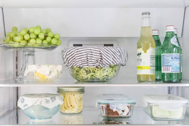 eco-friendly-refrigerator-bosch-shelf-detail-733x489