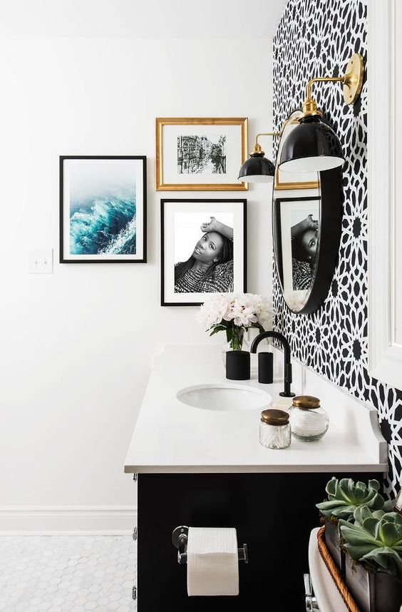 How Using Black & White In Your Decor Can Save You Thousands