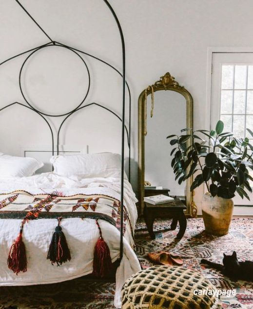 carlaypage via Pinterest Bedroom with Iron Bed