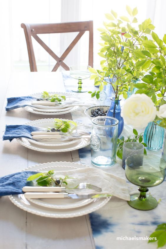 michaelsmakers-spring blue glass table top setting