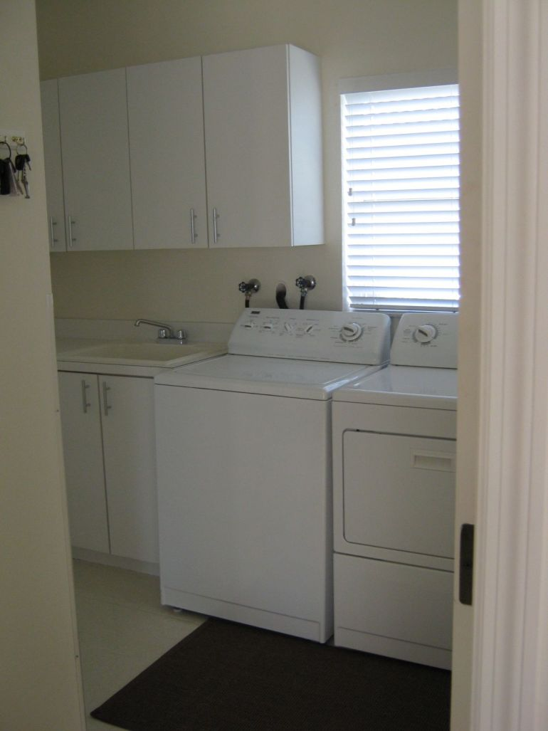 laurelbledsoe-design-laundry-before photo