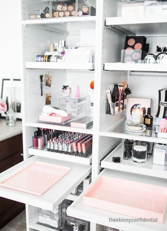 the-skinny-confidential-make up-towers