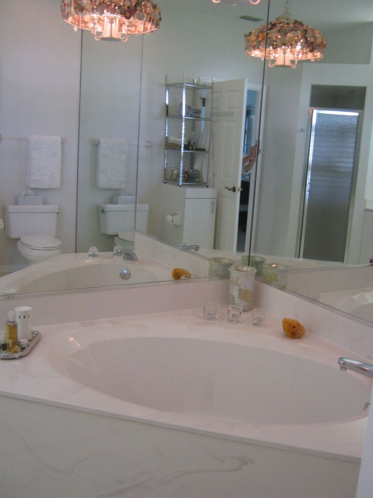 laurel-bledsoe-design-coastal-bathroom-makeover-before -after