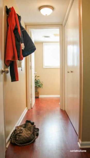 carriethishome-mudroom-hall