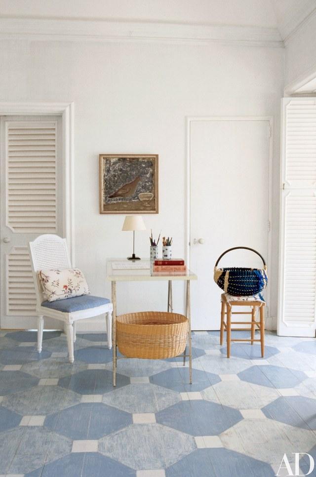 bunny-mellow-antiqua-home-blue-painted-floor