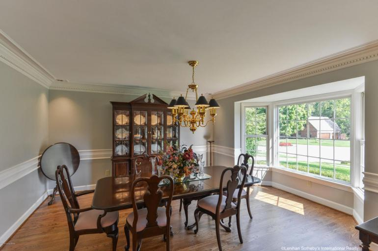 laurelbledsoedesign-design-to-sell-dining-room-large-windows