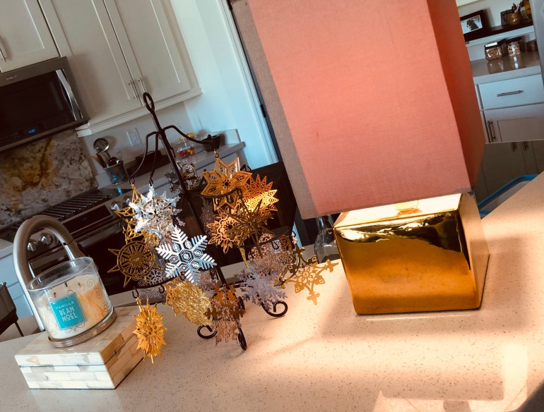 laurelbledsoedesign-minimalistic-holiday decor-snowflake-tree-holiday-collections