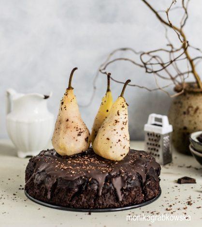 monikagrabkowska-chocolate-cake-pears