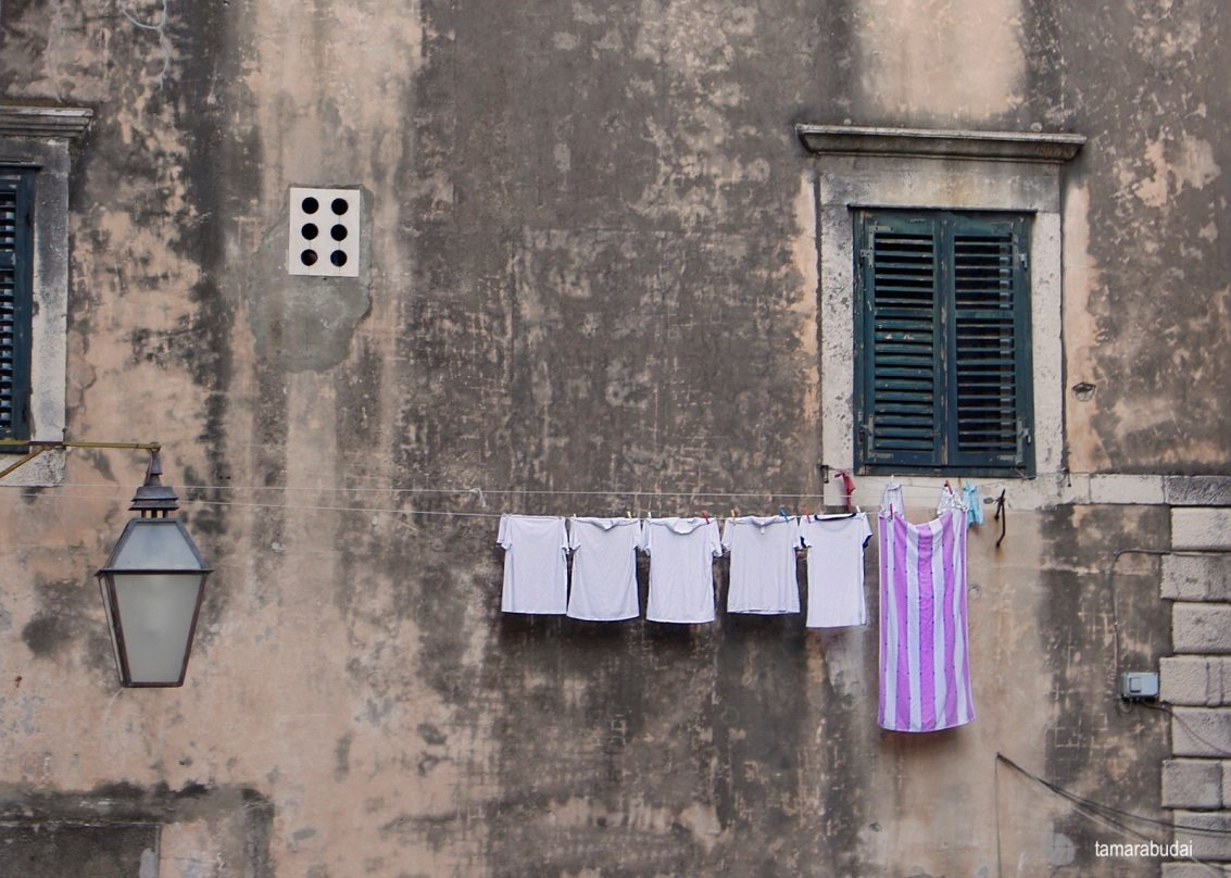 tamarabudai-laundry-hanging-outside