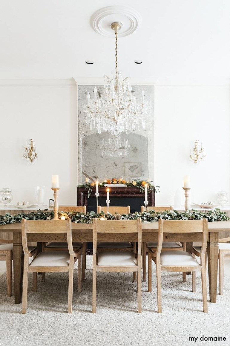 mydomaine-holiday-dining-room-crystal-chandelier-fireplace