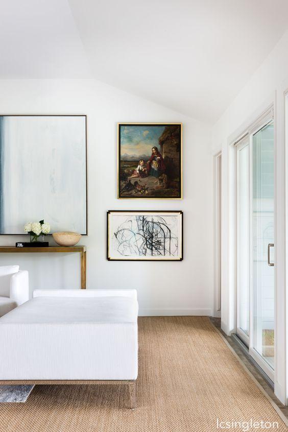 lcsinglethn-snowny-white-walls-sisal-flooring-gallery-art-wall
