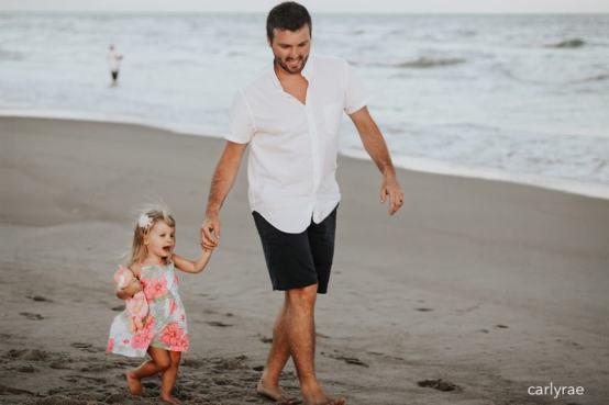 carlyrae-dad-beach-girl