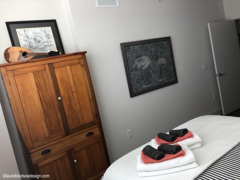 laurelbledsoedesign.com-guest-bedroom-pie-safe-original-art