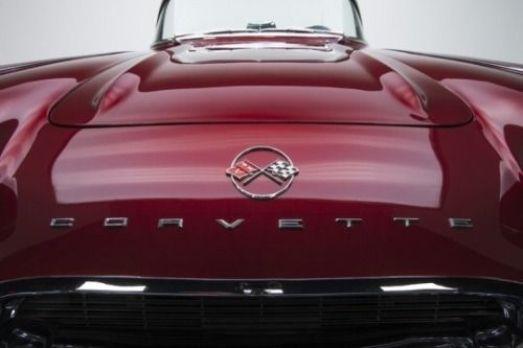 littleblackdomicile.com-pinterest-justforguys-classiccars