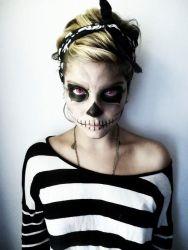bron: http://www.becomegorgeous.com/blogs/metheromantic/halloween_makeup_ideas_vol_3-P7501