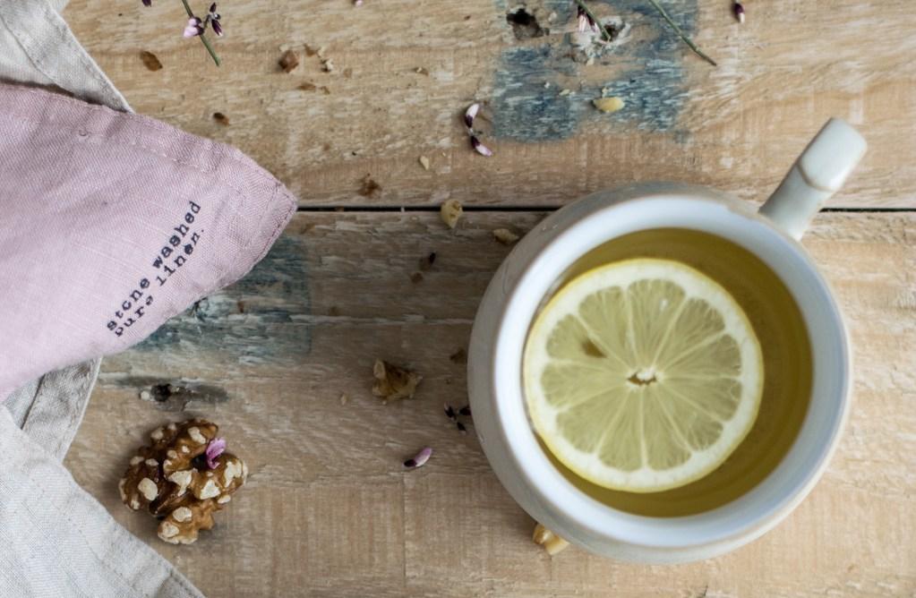 lemon water for detoxing