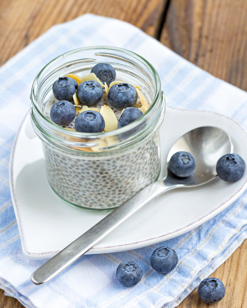 Bluberry almond chia pudding