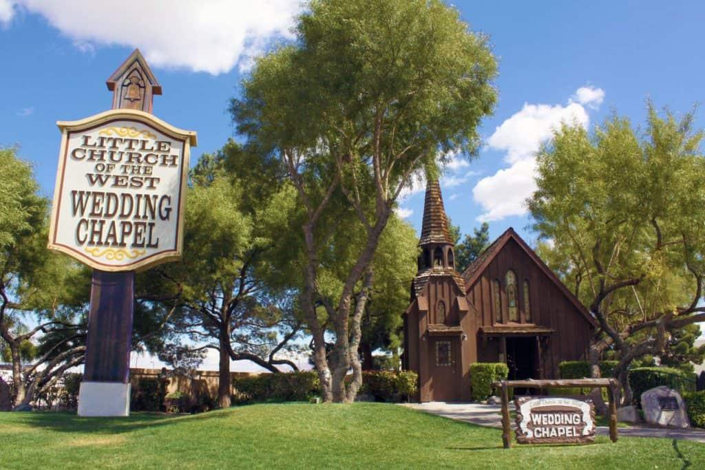 Vegas Weddings Outdoor Venues