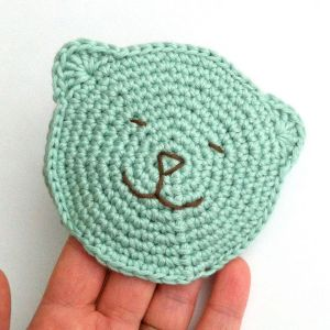 Crocheted Wash Mitt made to an original Little Conkers pattern
