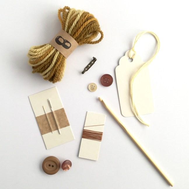 Contents of the Eco-friendly Oak Leaf Brooch Crochet Kit