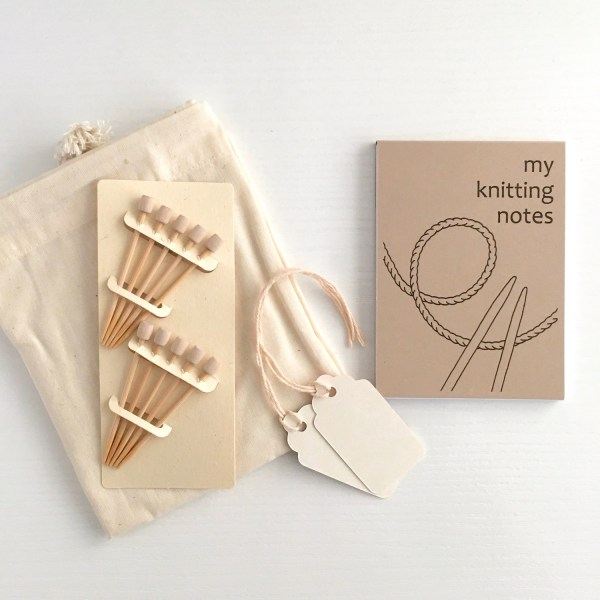 Contents of the Eco-friendly Knitting Gift Set