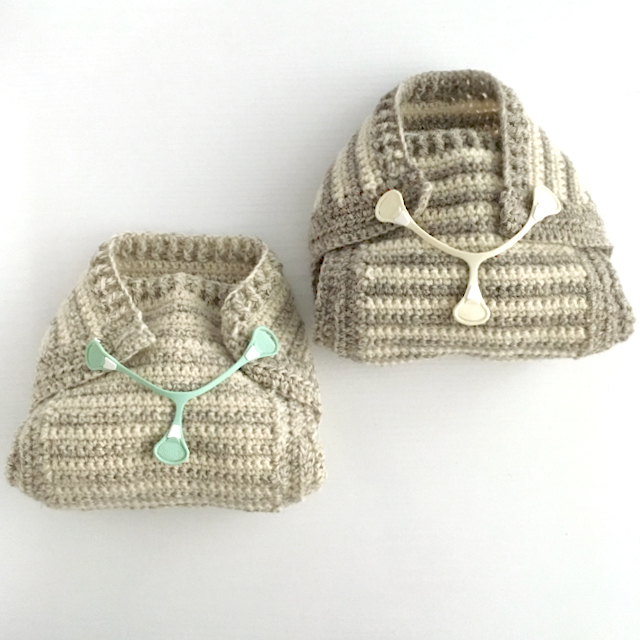 Crochet pattern for a woollen nappy cover or pilch