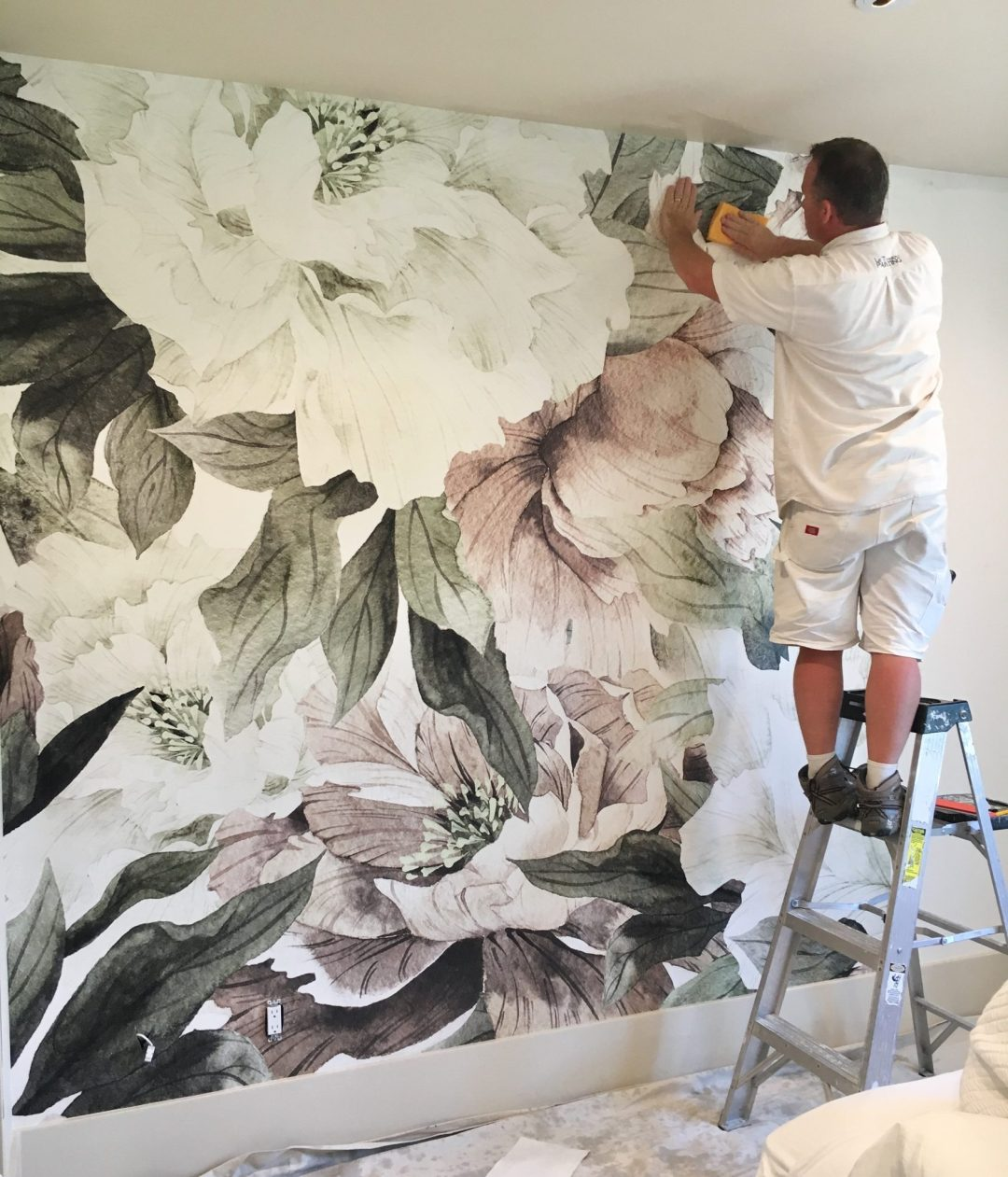 Large Floral Wallpaper from Anewall