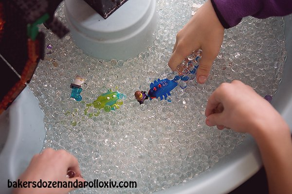 water-beads-in-water-table