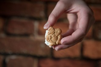 This quick and easy animal cracker snack is guaranteed to make your kids happy!
