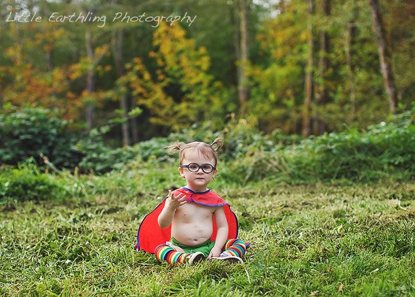 Through The Superhero Project Little Earthling Photography gives the gift of photography to families of children with special needs.