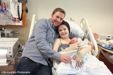 Mom and dad in hospital with newborn
