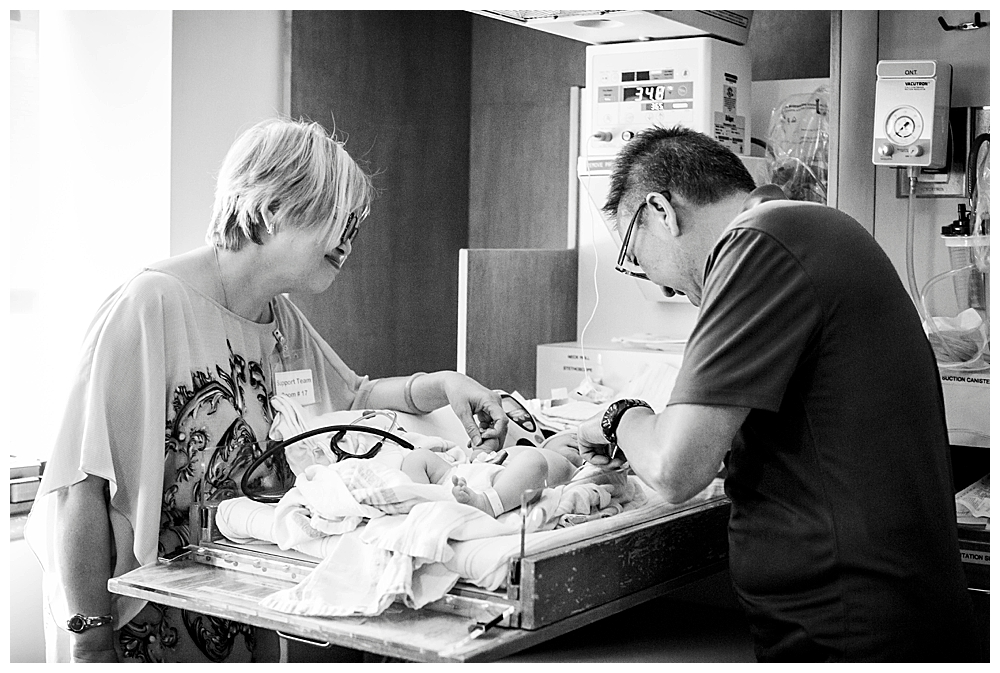 Grandparents at birth. Birth photos by Little Earthling Photography.