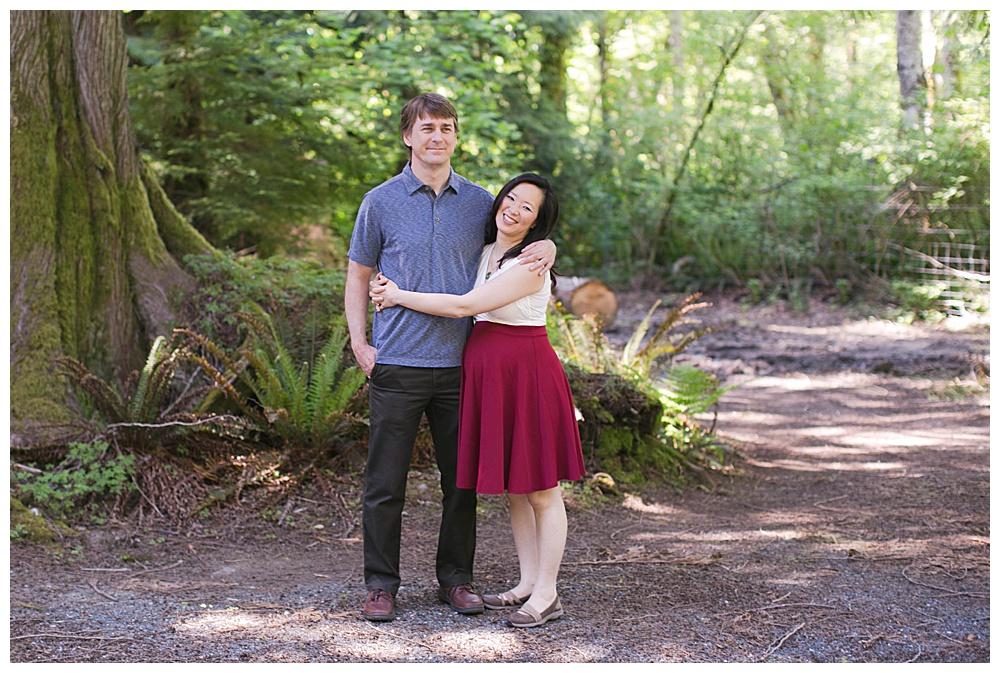 Glen Echo Garden is a lovely local spot in Bellingham for maternity photos.