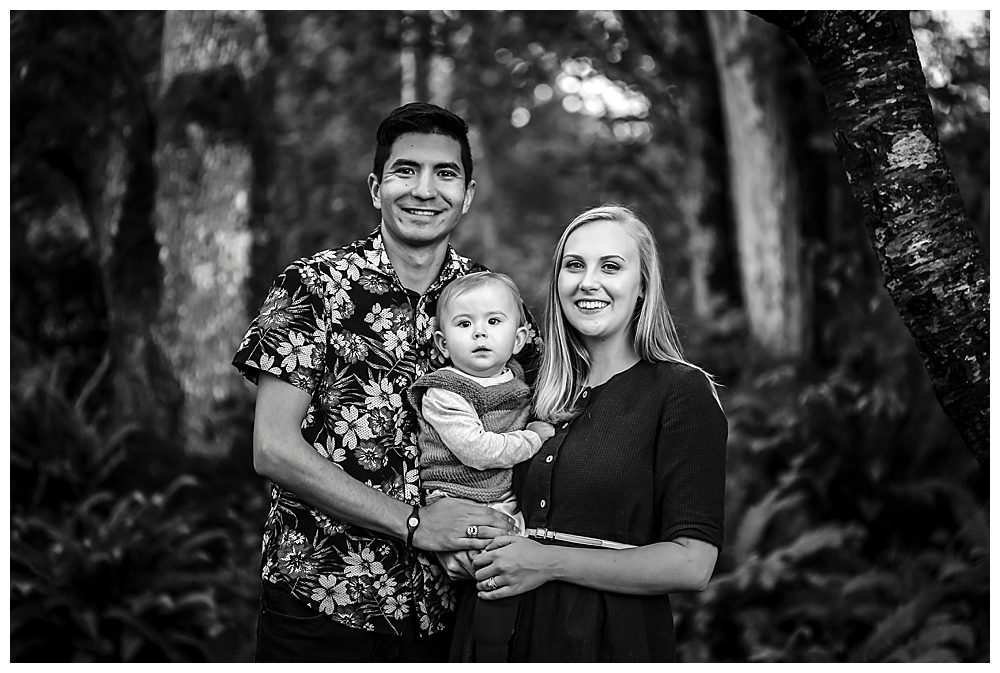 Bellingham family photographer caputures intimate photos of families.