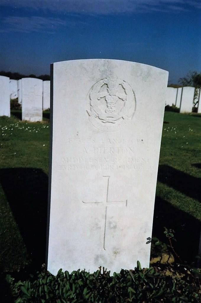 Photo of Albert Bierton's grave