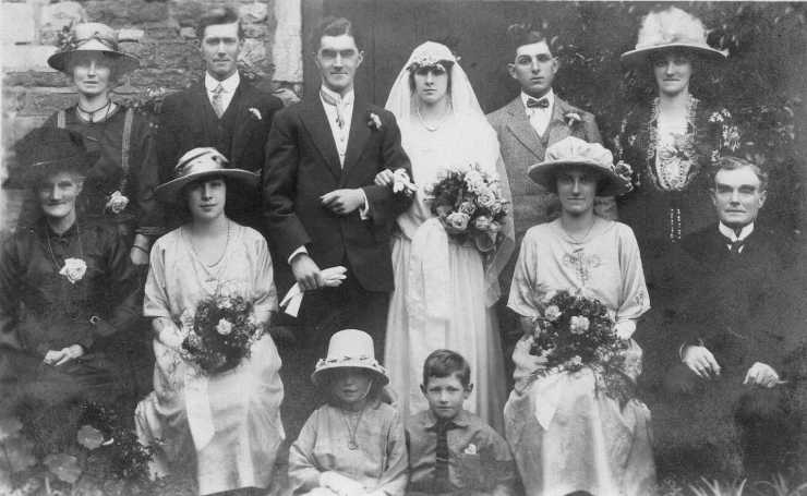 Photo of Rupert and Edith's families at their wedding