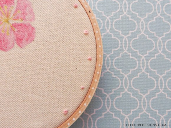 Iron-On Transfer Hoop Art - How to make sweet hoop art using an iron-on transfer for the artwork. Makes a great gift for Mother's Day, birthdays, you name it! @littlegirldesigns.com