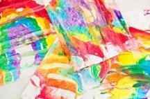 2-rainbow-marble-shaving-cream-art