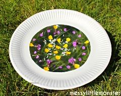 paper plate flower suncatcher