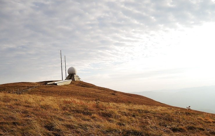 Driving in Alsace will bring you to gorgeous natural landscapes like this: the Grand Ballon, the region's highest point which will give you breathtaking views of the countryside.